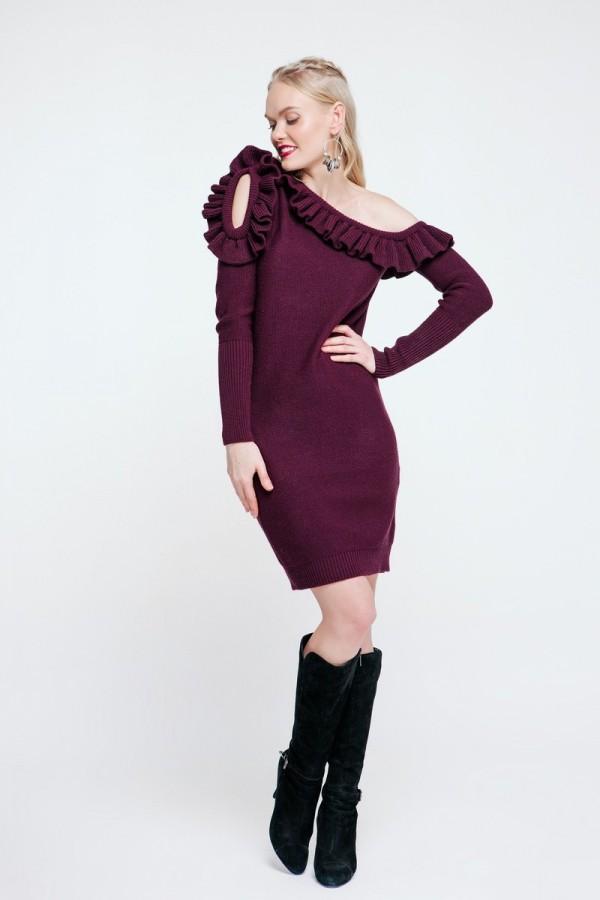 Брусничное вязаное платье 2018 PW489730000
